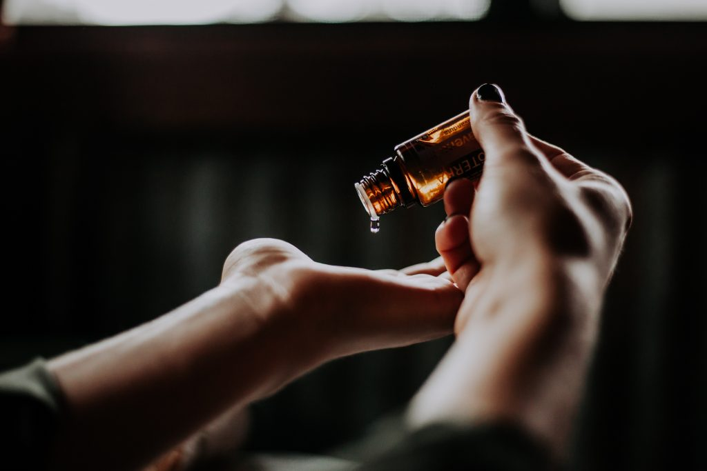 Why and How You Should Be Using Beauty Oils
