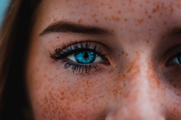 Make Up Tips for People with Freckles