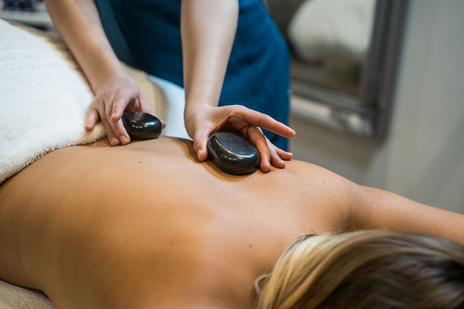 Pure Beauty Massage with Hot Stones